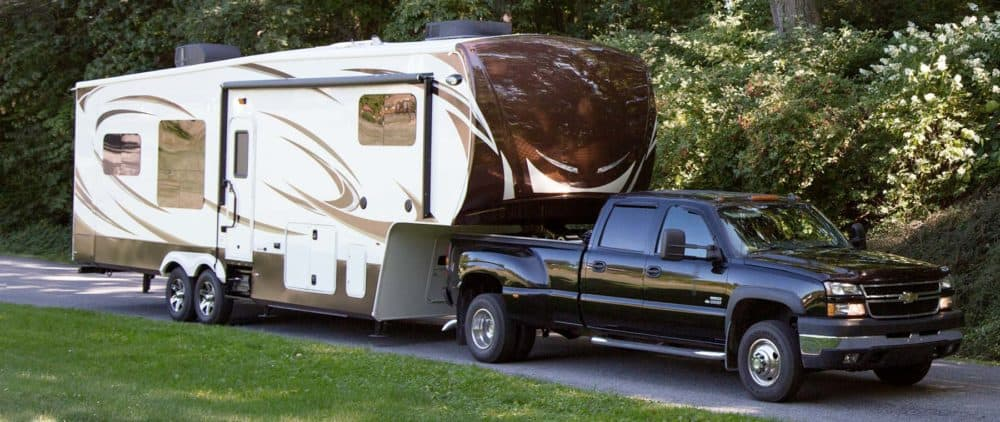 fifth wheel trailer 5th wheel vs travel trailer: comparison with top 24 differences and similarities