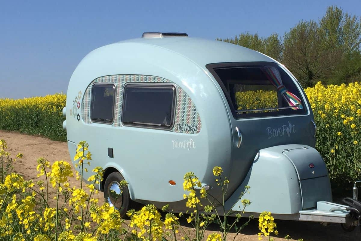 small travel trailers with bathroom