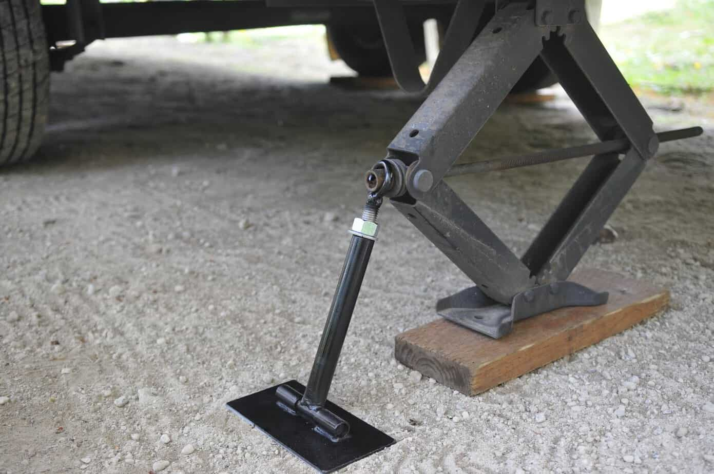 Certain rules on how to use the stabilizer jacks