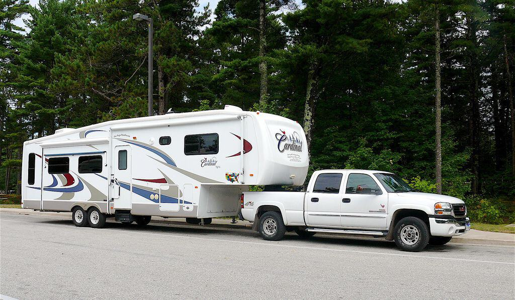 Sleeping area comparison between a 5th wheel trailer and class A motorhomes